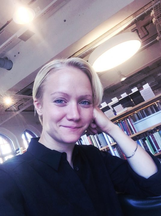 På biblioteket Signalfabriken i Sundbyberg