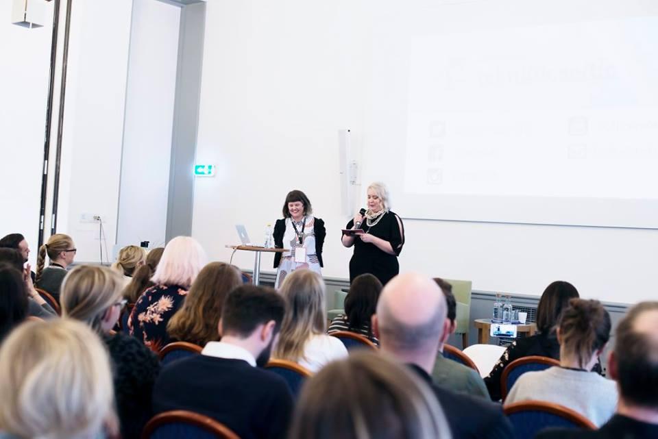 influencer convention. Elin Häggberg och Linda Hörnfeldt